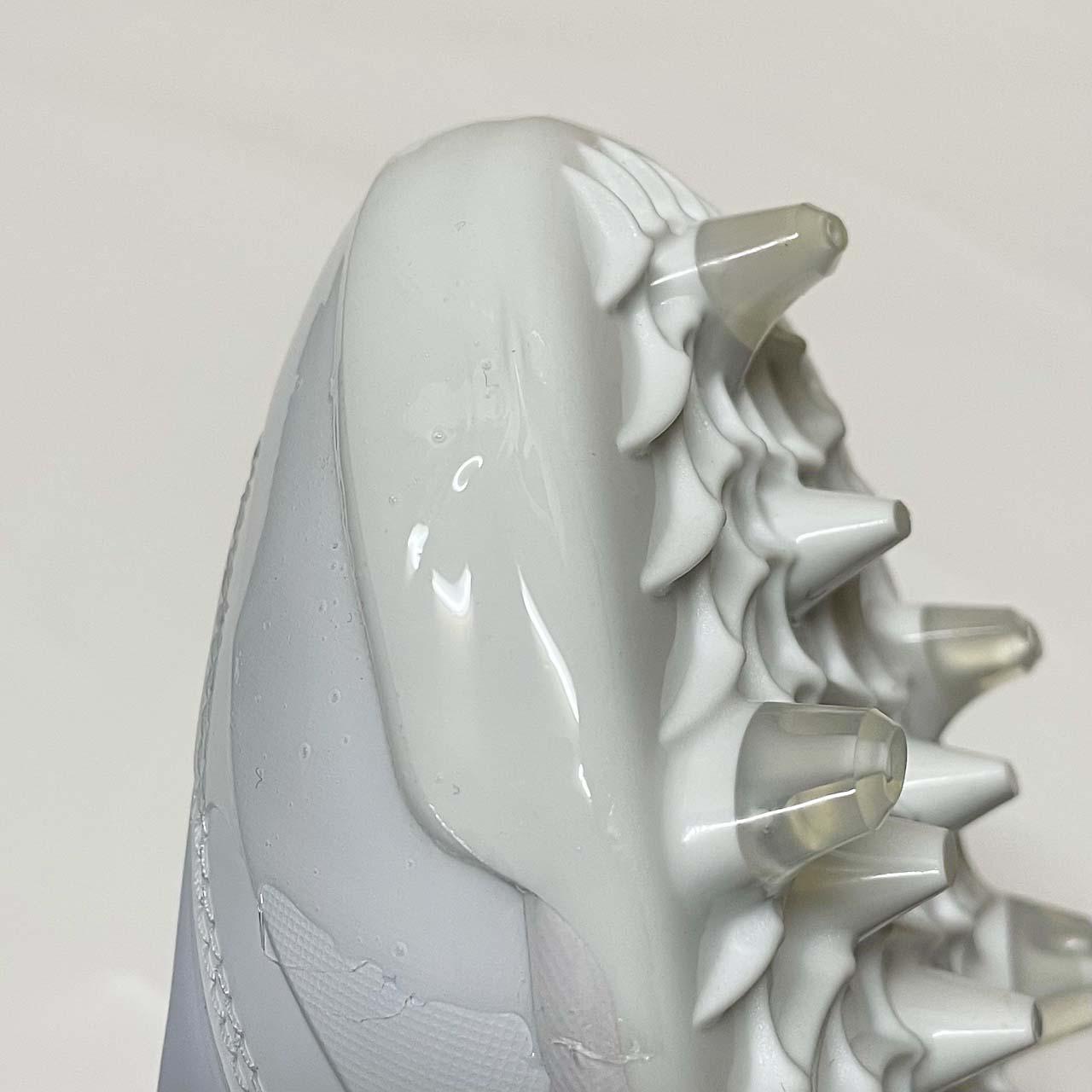 靴底が厚くてPカバーがつけられないスパイクのつま先補強「塗りP」側面