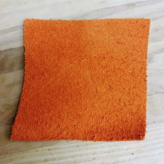 グラブの縫い修理、オレンジ色のあて革表