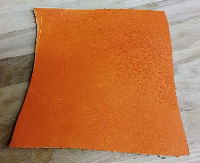 グラブの縫い修理、オレンジ色のあて革裏