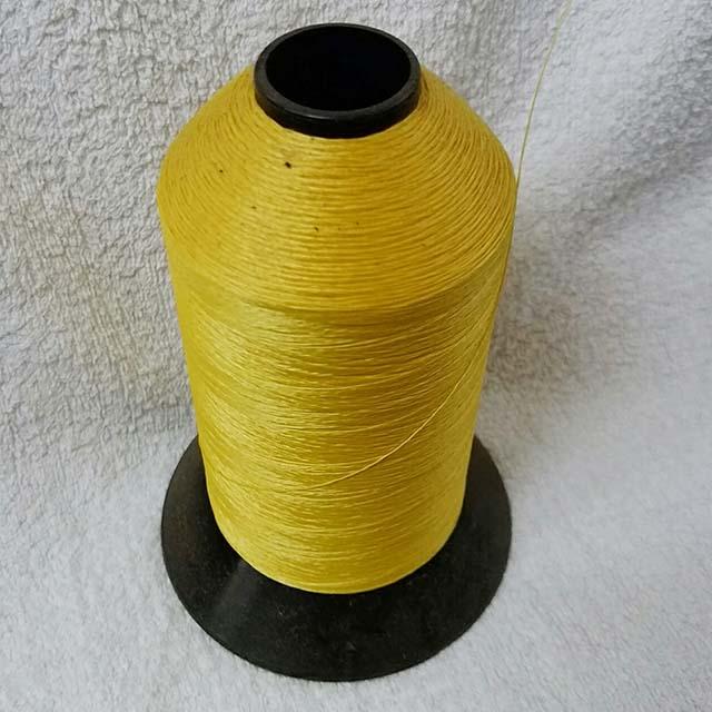 グラブの縫い修理、縫い糸はケブラー糸