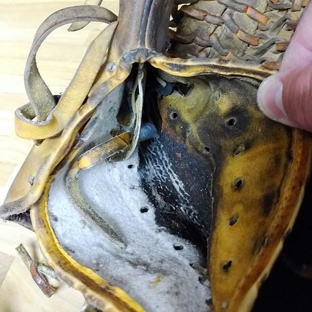 グラブの縫い修理、アタッチメントグリス補給