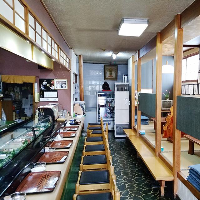 お寿司屋さん「よね寿司」店内